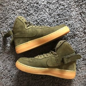 green nike air force 1 mids